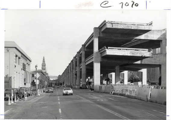 Embarcadero_Freeway_mid-1950s_AAB-3553