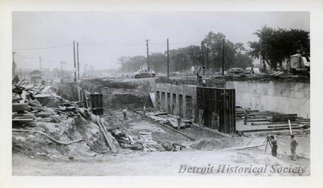 davison freeway construction - 1942