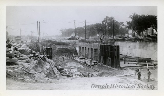 davison freeway construction - 1942
